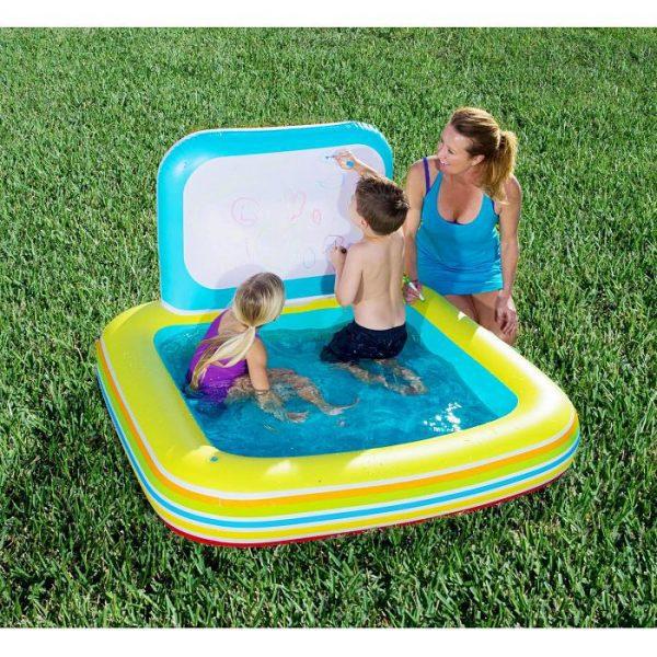 Dječji bazen s pločom