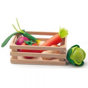 Drveni sanduk s povrćem